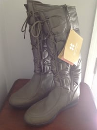 Naturalizer Weatherproof,Brand New Boots 7.5.Beautiful,soft green.Reduced.