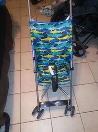 baby's green black and yellow umbrella stroller Bakersfield, 93306