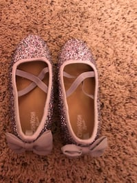 Girls silver sparkle dress shoes Fall River, 02720