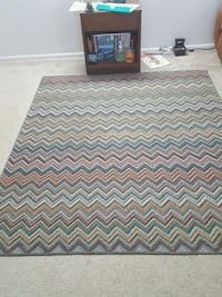 Area rug 6 by 5 feet