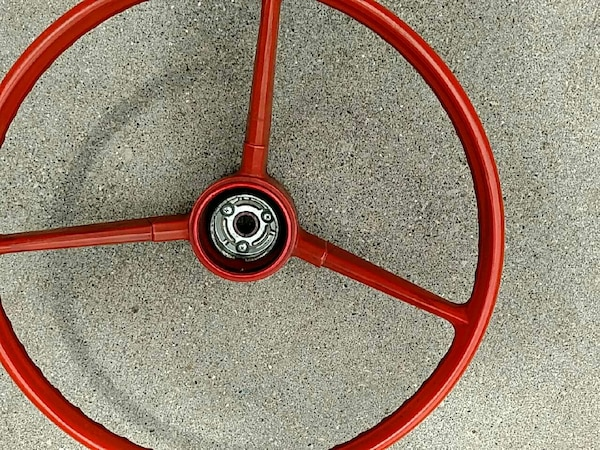 red 18 inch dia vintage steering wheel