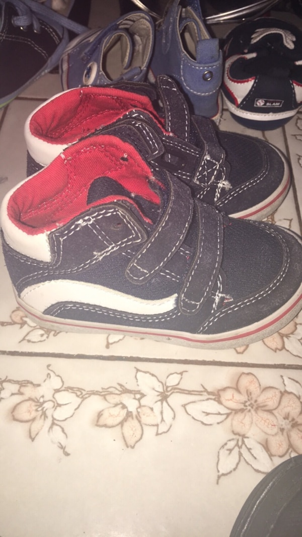 92f5c2a8be959e Used infant s pair of black