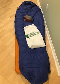 MEC Merlin -3C Down Sleeping Bag (REG, RIGHT) with Outdoor Research Compression Sack Greater Vancouver, V0N
