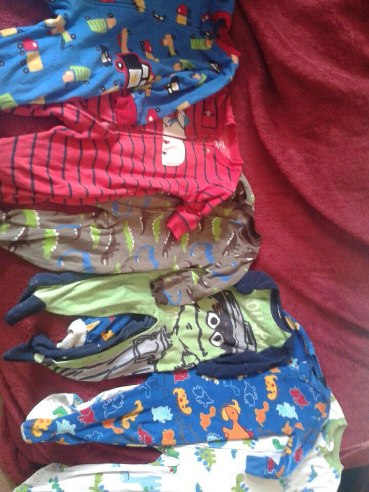 toddler's multicolored sleepers