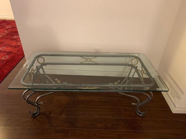 Coffee table  8f03d3d6-93f2-4695-9f86-c26971060dca