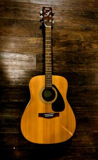 acoustic guitar with case Edmonton, T6L 2S8