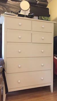 white wooden 5-drawer tallboy dresser Montréal, H3V 1G2