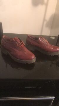 burgundy leather platform shoes (size 7) fit like 6 1/2 Greenbelt, 20770