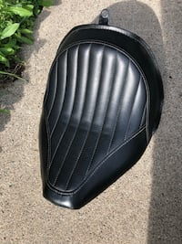 Harley Davidson Softail Slim OEM Solo Saddle