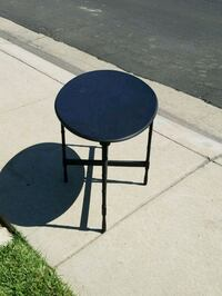round black metal table with two chairs Modesto, 95356