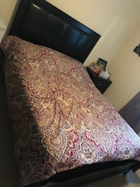 white and red floral bed sheet Fairfax, 22033