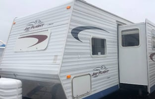 2005 Jayco Jay Flight 31 Ft. Good Shape,Outdoor Shower with Hot & Cold Water