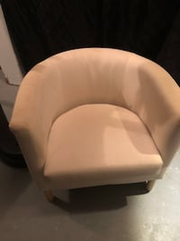 IKEA off-white lounge chair(s) Capitol Heights, 20743