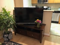 TV Stand – Great Condition - $50 Washington