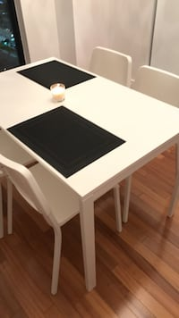 rectangular white wooden table with four chairs dining set Montréal, H4P 2T6