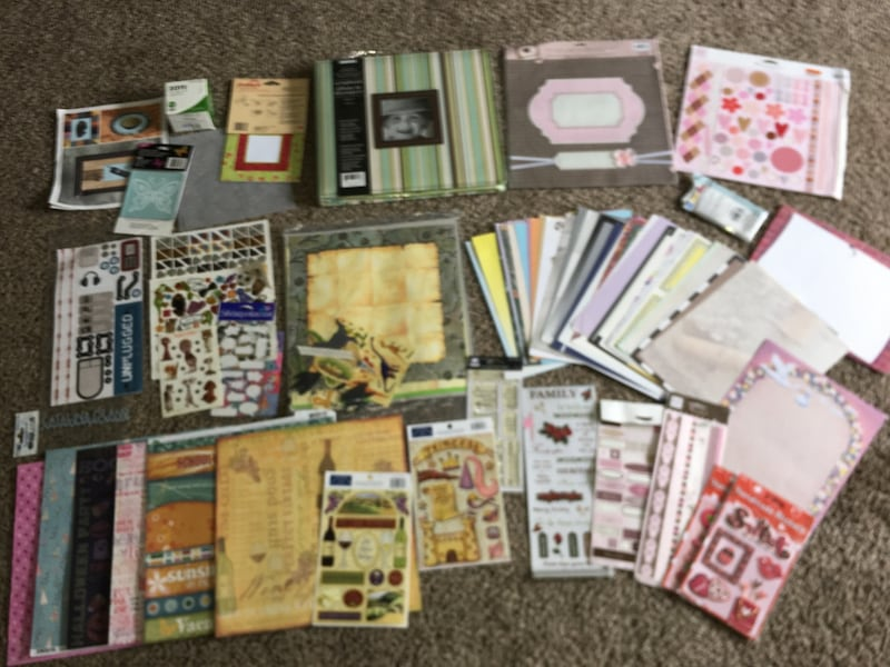 Scrap Book / Booking Hobbie Bundle / Lot  56aa8307-dd83-48af-9a9c-4987343bf061