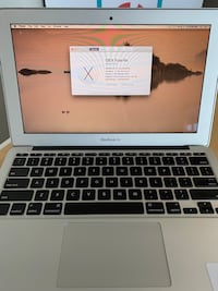 11inch Macbook Air, 4gb ram, 121 flash storage