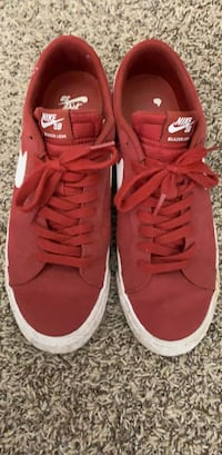 Nike SB Blazer Low Burgundy Mens Size 10.5