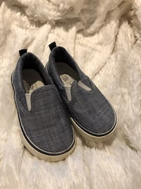 Baby gap boys boat shoes size 6