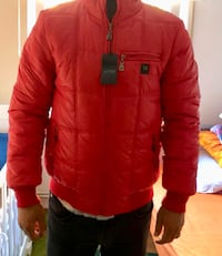 Rote zip-up-bubble-jacke 6531 km