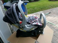 baby's black and gray car seat carrier L'Île-Perrot, J7V 9L6