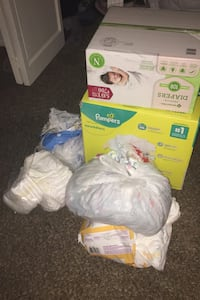 Size new born and 1 diapers