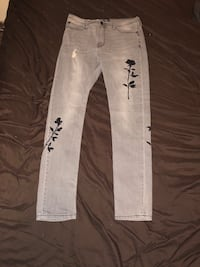 Men Skinny Floral embroiled jeans size 34 Baltimore, 21206