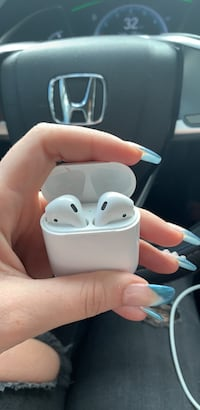Used airpods for sale in Fleming Island - letgo