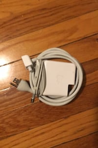 Apple 85W magsafe macbook pro charger New Haven, 06511