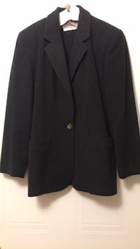 black notched lapel suit jacket Richmond Hill, L4C 8K1