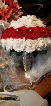 white and red rose bouquet Norfolk, 23518