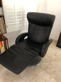 Genuine Leather Electronic Lounge Chair Irvine, 92614