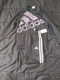 Boys Adidas Sweat Suit size 3T Woodlawn