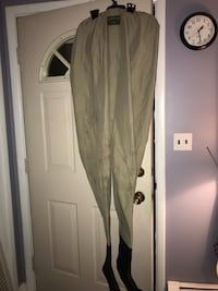 Orvis Men's Tall Waders, Stocking Foot ,5 Layers on Lower Wader with 3 Layer on Uppers. Top quality Orvis Waders in Very Good Condition with New Suspenders  Brewerton, 13029