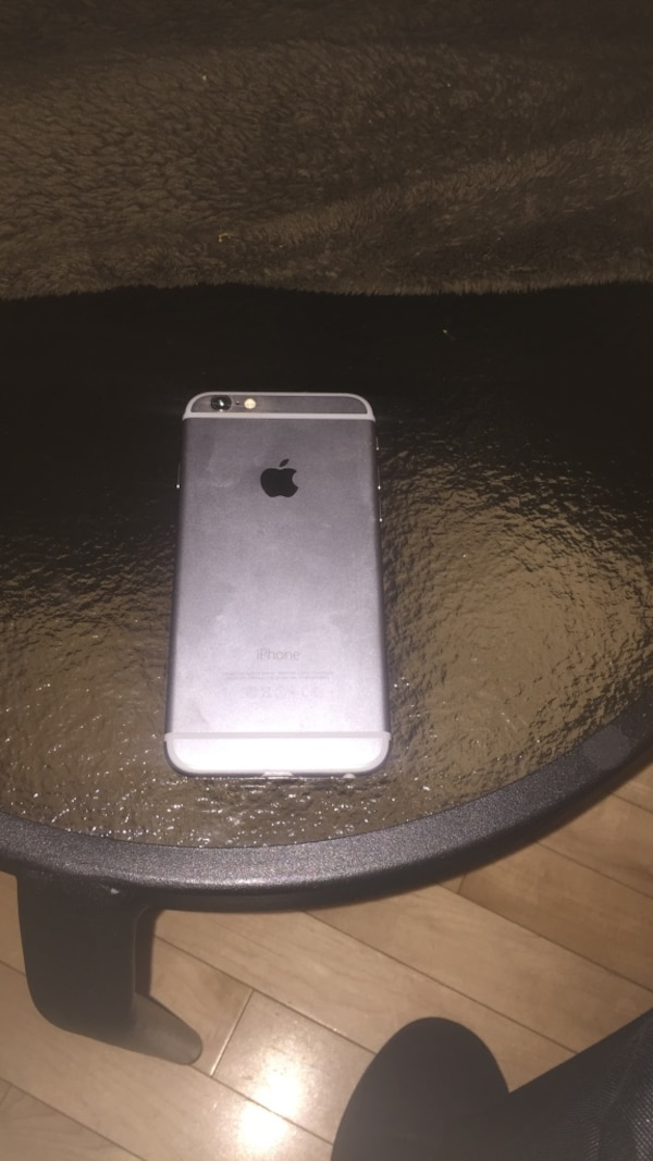 Silver iphone 6 with 64 GB OBOffer