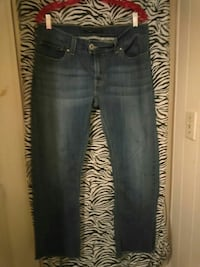 Womans Size#12# Tilted Flair Jeans Sequim, 98382