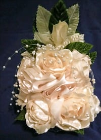 NEVER USED CAN BE USED AS A CAKE TOPPER.