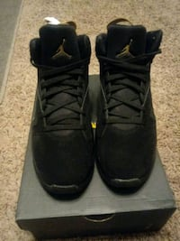 pair of black Air Jordan basketball shoes San Angelo, 76903