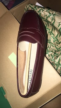 Classic burgundy penny loafers (never worn) Sizes 6 and 7