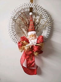 "14"" CHRISTMAS WREATH WITH SANTA"