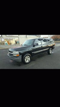 2004 Chevrolet. Suburban LS 1500 4WD 3 rd Row Seat 32 km