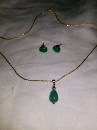 Jade and Gold Necklace and Earring Set Palmdale, 93551