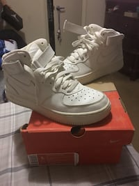 Pair of white Nike Air Force 1 high size 5Y Washington, 20011