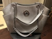 women's gray Michael Kors leather shoulder bag Toronto, M2N 2C3