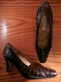 Italian made ladies shoes size 8  Toronto, M6L 1A4