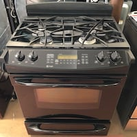 GE due  oven gas stove 10% off Reisterstown, 21136
