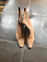 AK tan size zip bootie, size 8, like new Ashburn, 20148