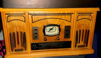 Brand new vintage radio with record player