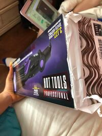 CURLING IRON BRAND NEW IN THE BOX Montréal, H1N 1E8