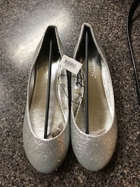 Pair of gray glittered flats Bakersfield, 93314